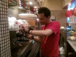 lagi ngetes rasa kopi... capucino... !